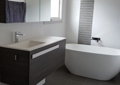 Freestanding Bath with Feature wall in Kingswood